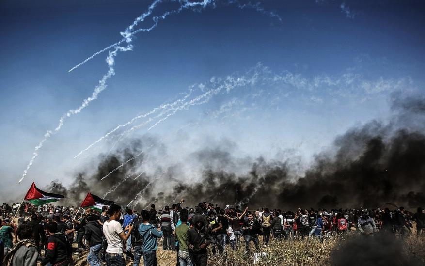 """ميدل ايست: """"إسرائيل"""" تستخدم غاز """"غير معروف"""" ضد المتظاهرين في غزة"""