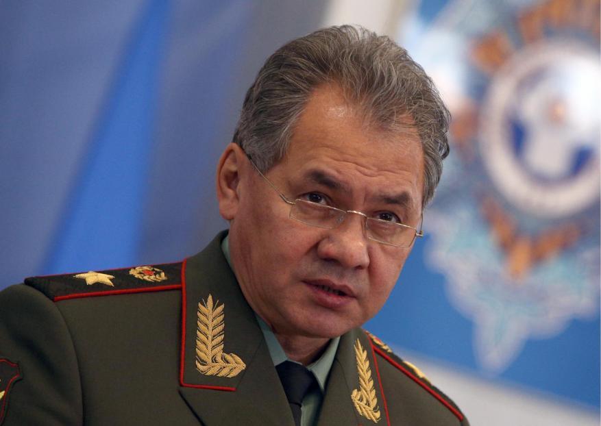 وزير الدفاع الروسي يبحث التعاون العسكري مع الاحتلال