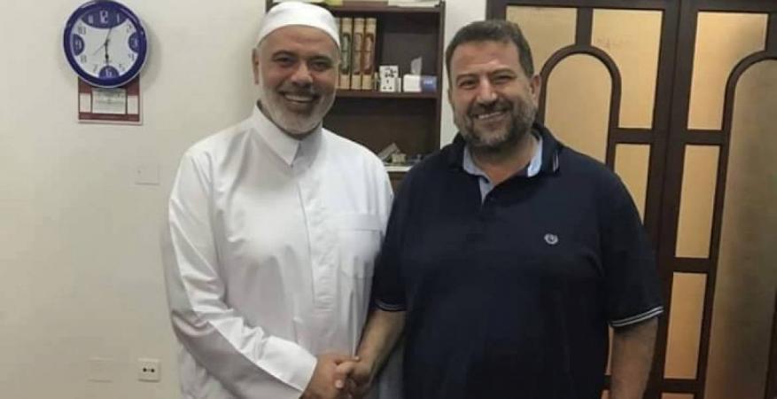 خلال اتصال هاتفي مع العاروري .. هنية يعبر عن ارتياحه للأجواء السائدة في القاهرة