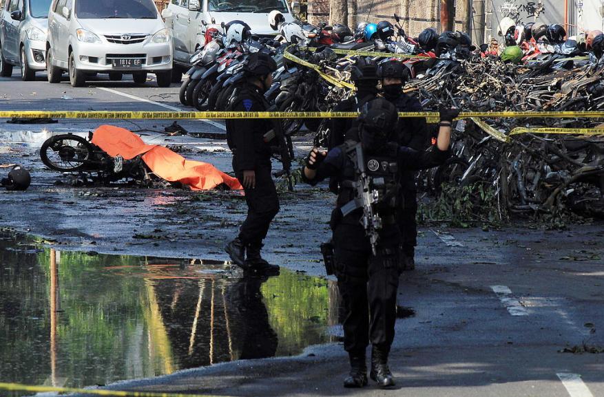 مقتل 9 في تفجيرات استهدفت كنائس بإندونيسيا
