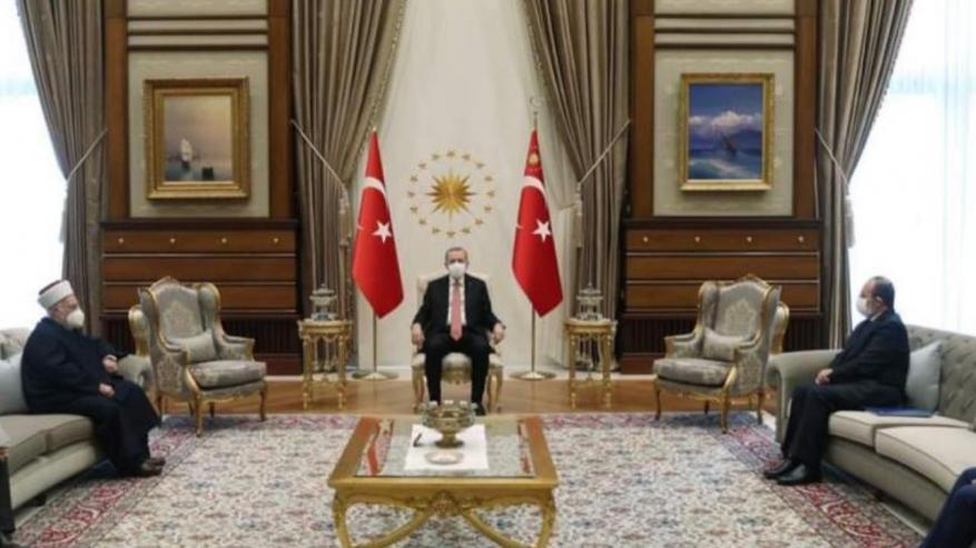 الرئيس التركي يستقبل الدكتور الشيخ عكرمة صبري في إسطنبول