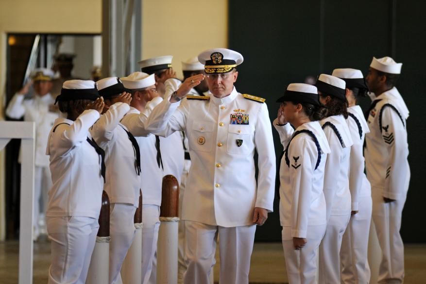 ضباط كبار بالبحرية الأمريكية يتلقون رشاوي جنسية مقابل المعلومات