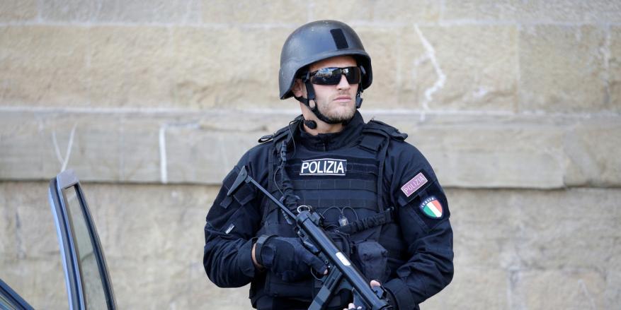 حملة اعتقالات تطال أهم المقربين من زعيم المافيا بإيطاليا