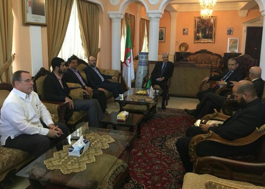 حماس تعزي السفير الجزائري بلبنان بضحايا الطائرة العسكرية المنكوبة